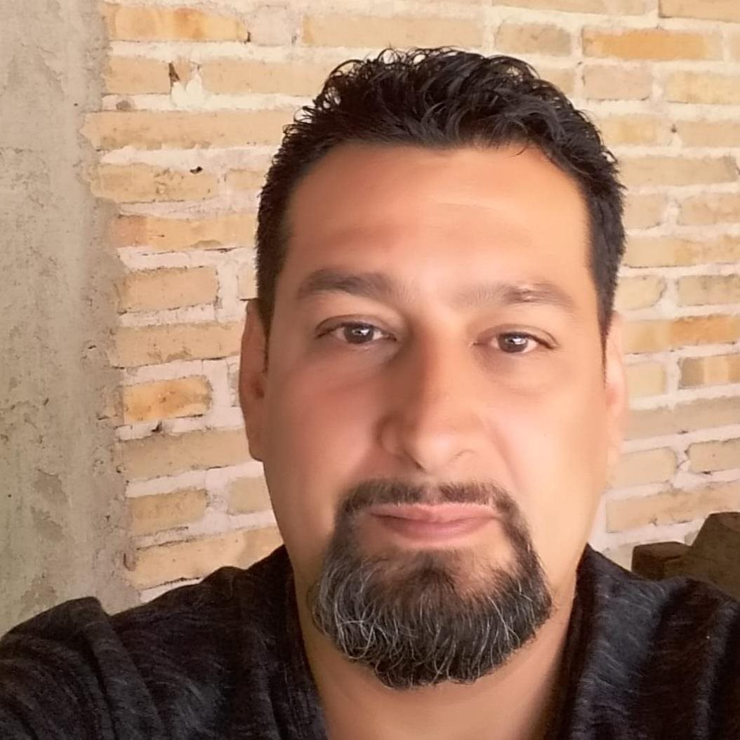 Efrain Ramírez